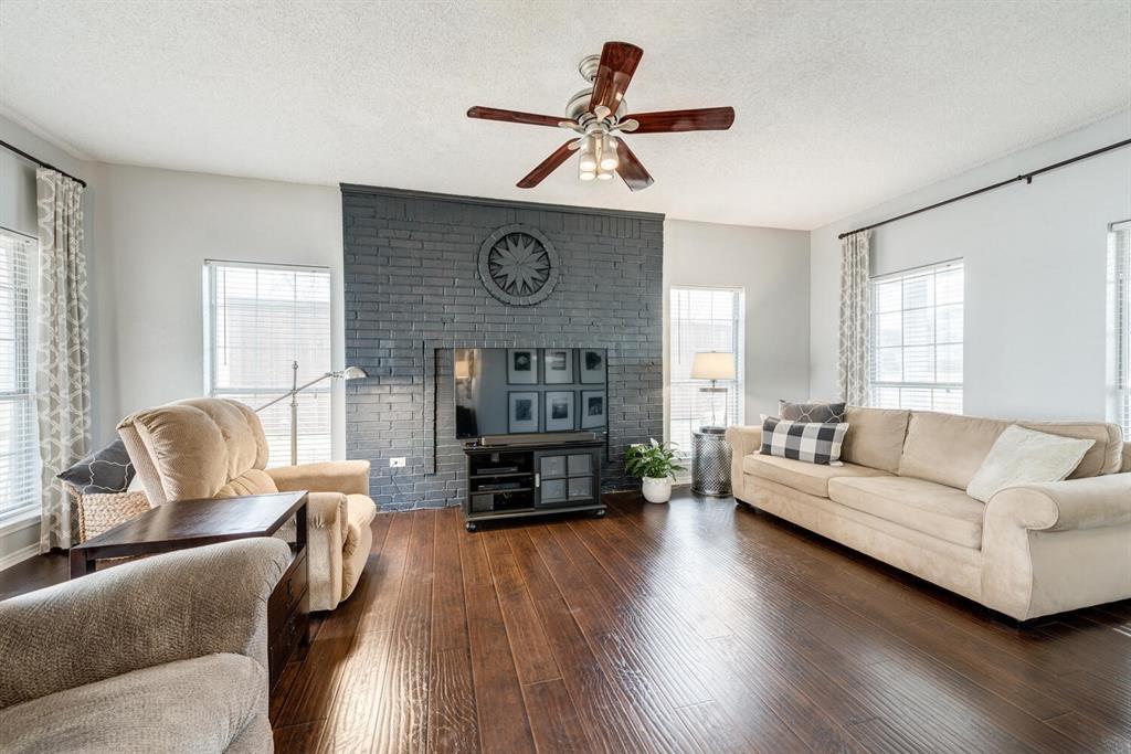 6737 Moss Lane, North Richland Hills, Texas 76182 - acquisto real estate best prosper realtor susan cancemi windfarms realtor