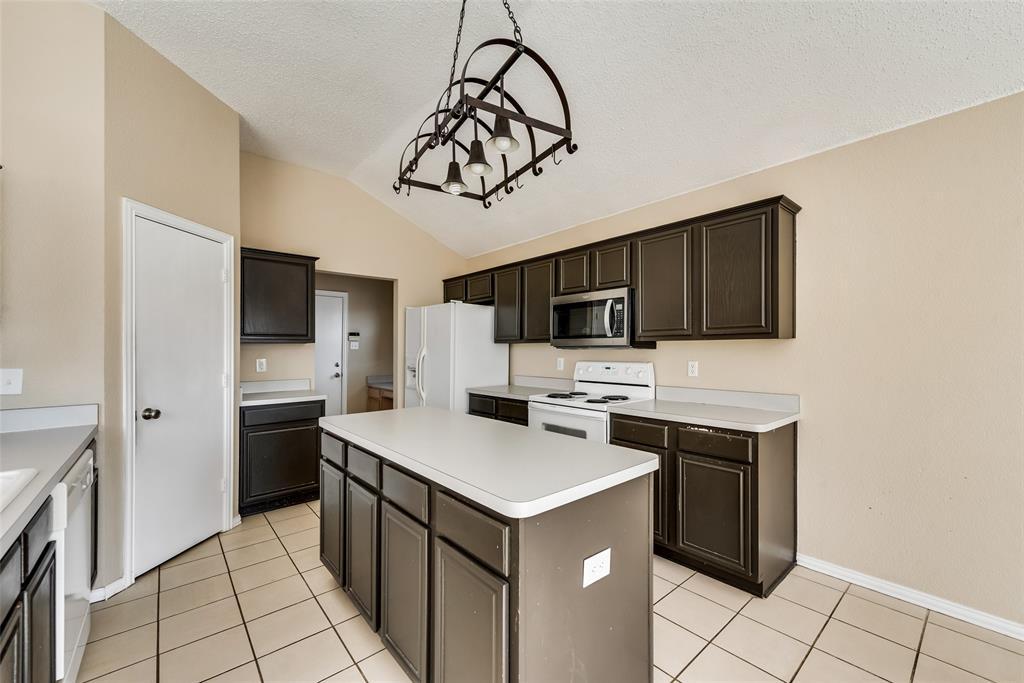 608 Mustang Court, Little Elm, Texas 75068 - acquisto real estate best prosper realtor susan cancemi windfarms realtor