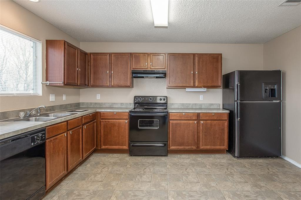 8304 Cutter Hill Avenue, Fort Worth, Texas 76134 - acquisto real estate best real estate company to work for