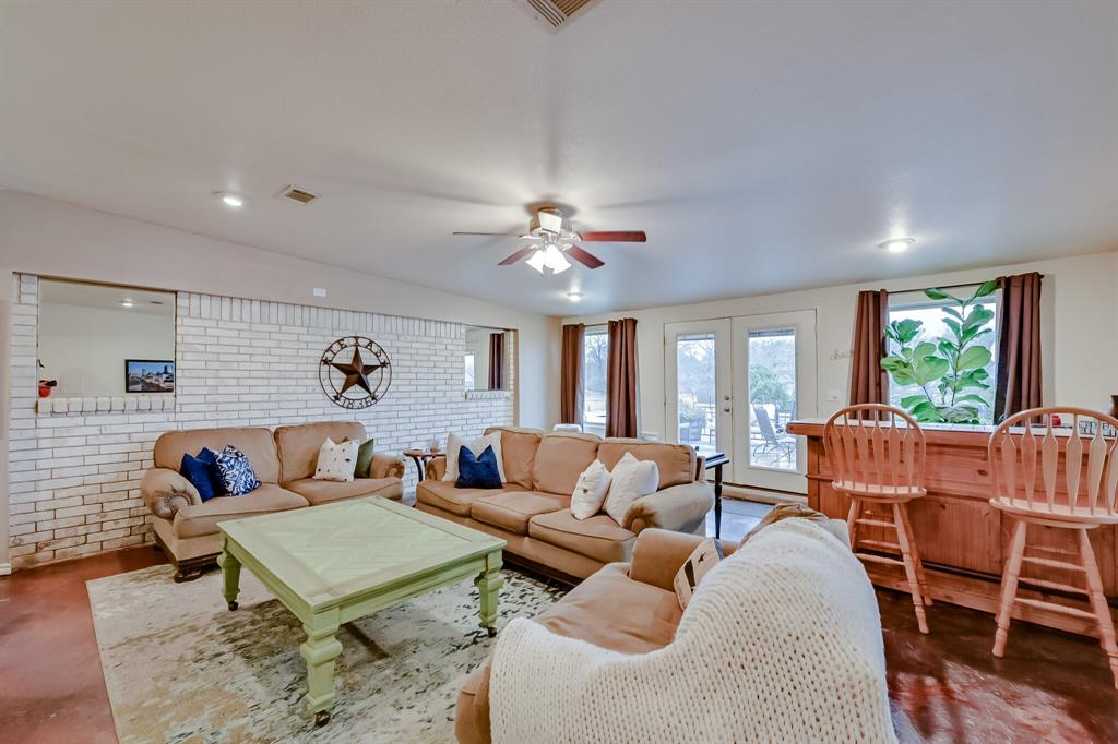 401 Country Club Drive, Joshua, Texas 76058 - acquisto real estate best photos for luxury listings amy gasperini quick sale real estate