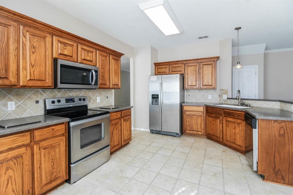 7355 Chambers Lane, Fort Worth, Texas 76179 - acquisto real estate best prosper realtor susan cancemi windfarms realtor