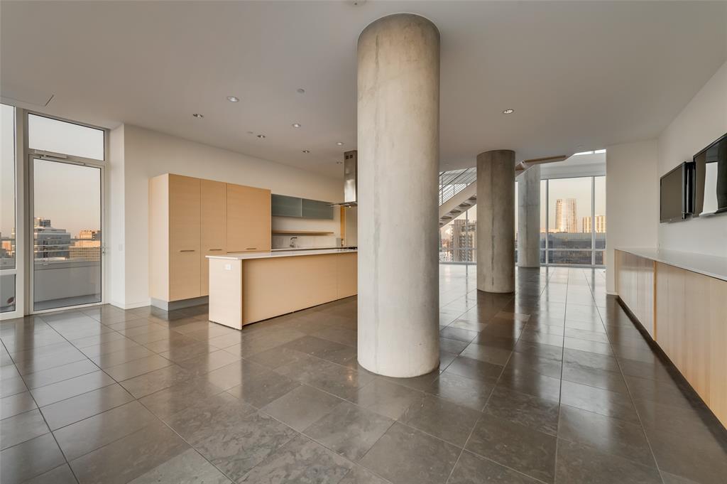 2430 Victory Park Lane, Dallas, Texas 75219 - acquisto real estate best new home sales realtor linda miller executor real estate