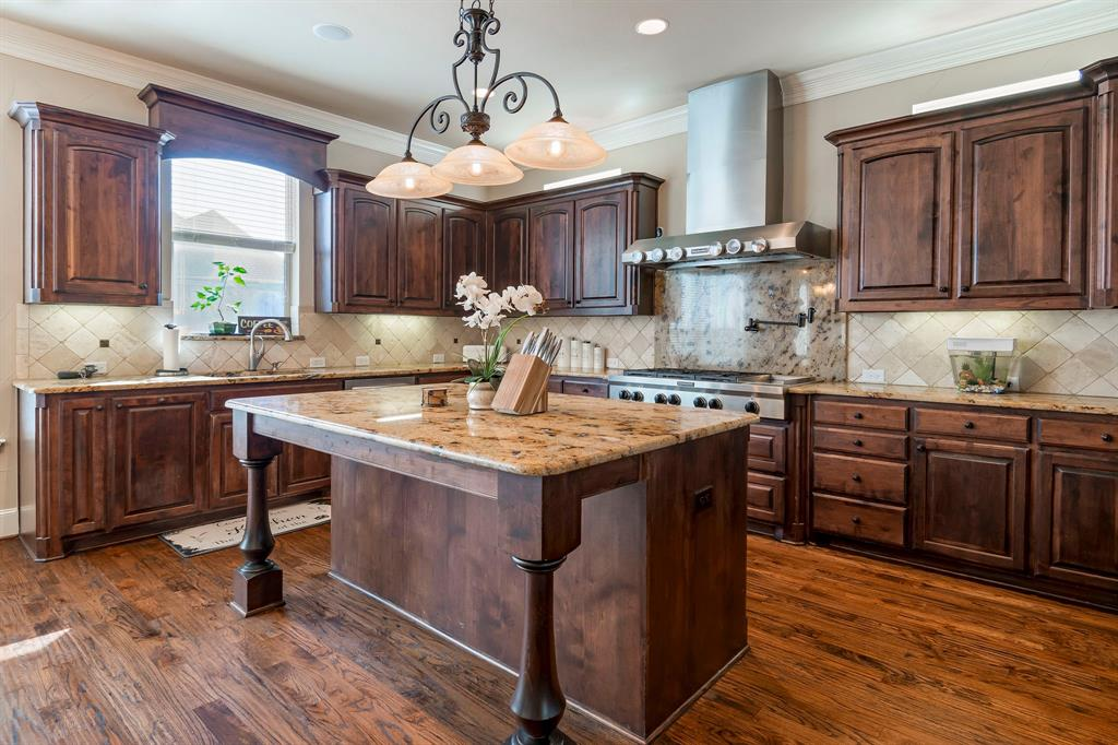 6204 Metz Street, Plano, Texas 75024 - acquisto real estate best real estate company to work for