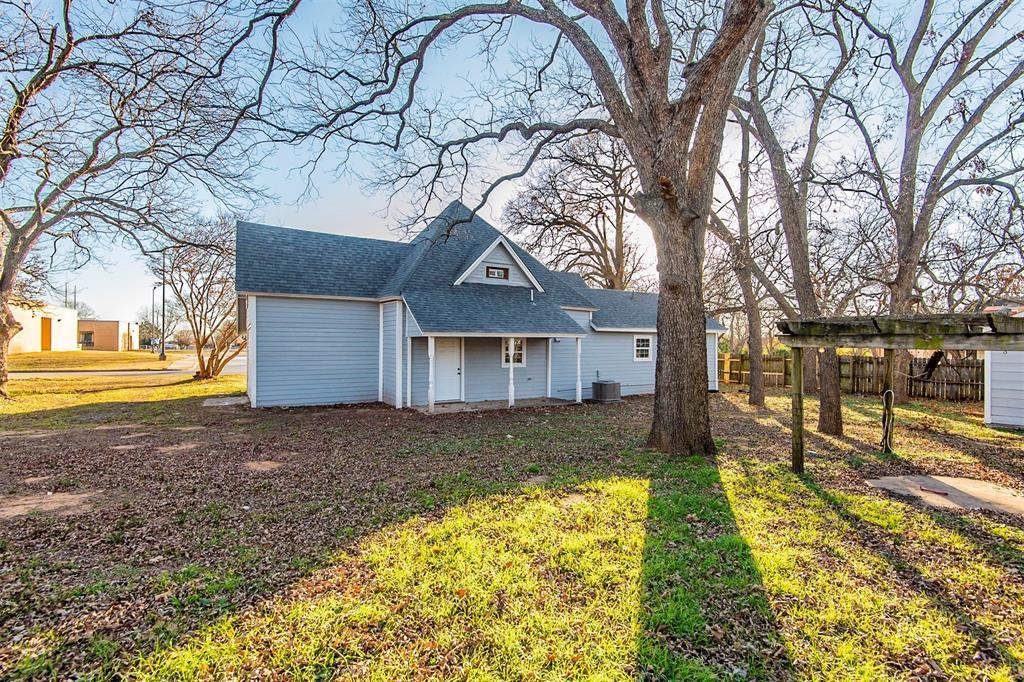 101 20th Street, Joshua, Texas 76058 - acquisto real estate best realtor foreclosure real estate mike shepeherd walnut grove realtor