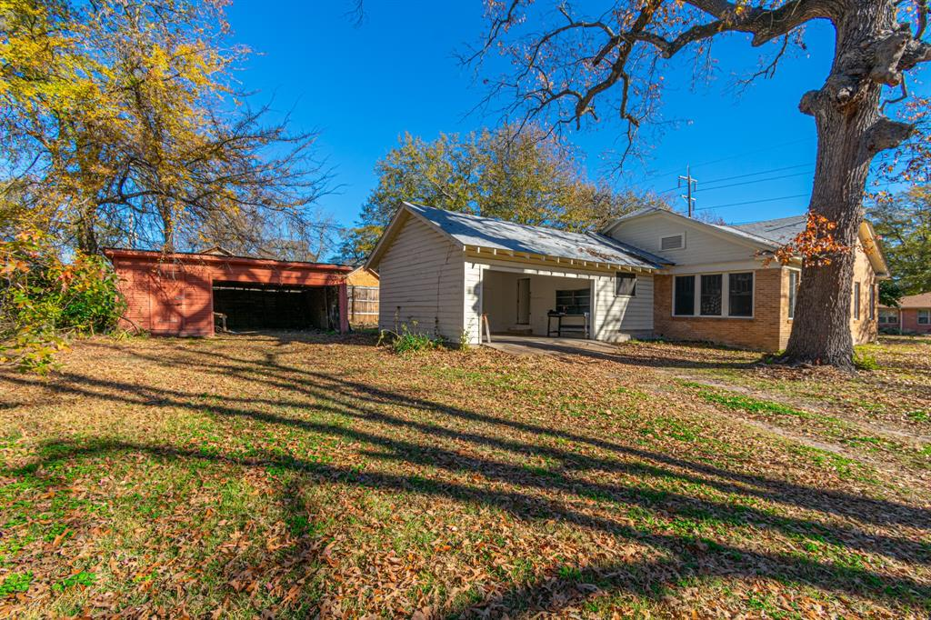 501 Sycamore Street, Mineola, Texas 75773 - acquisto real estate best designer and realtor hannah ewing kind realtor