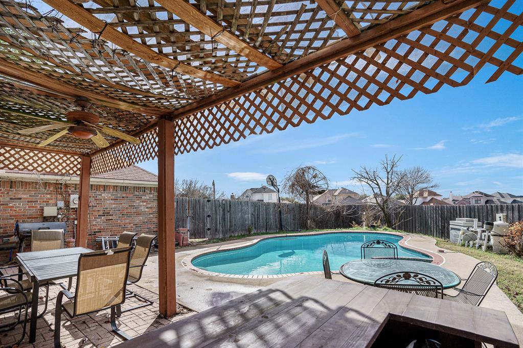 7301 Cedarbrook  Road, Rowlett, Texas 75089 - acquisto real estate best looking realtor in america shana acquisto
