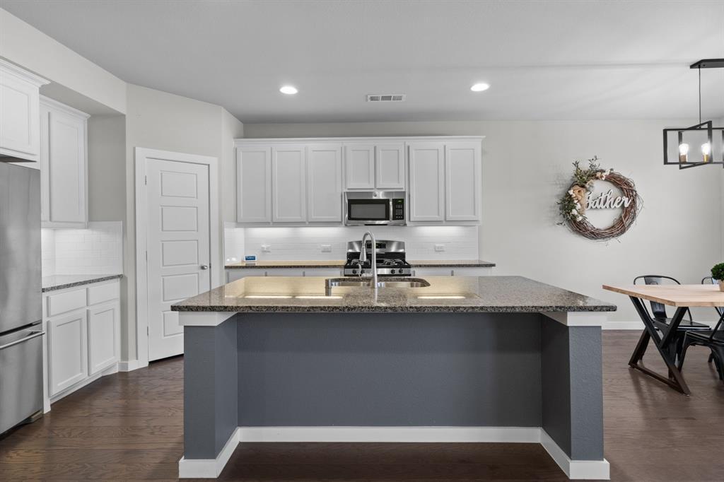 529 Barnstorm Drive, Celina, Texas 75009 - acquisto real estate best allen realtor kim miller hunters creek expert