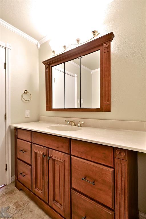 2033 Greenbriar Drive, Abilene, Texas 79605 - acquisto real estate best realtor dallas texas linda miller agent for cultural buyers