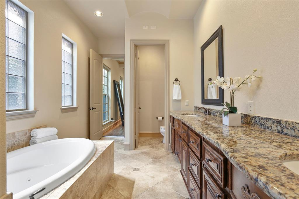 1054 Shadyside Lane, Dallas, Texas 75223 - acquisto real estate best realtor westlake susan cancemi kind realtor of the year