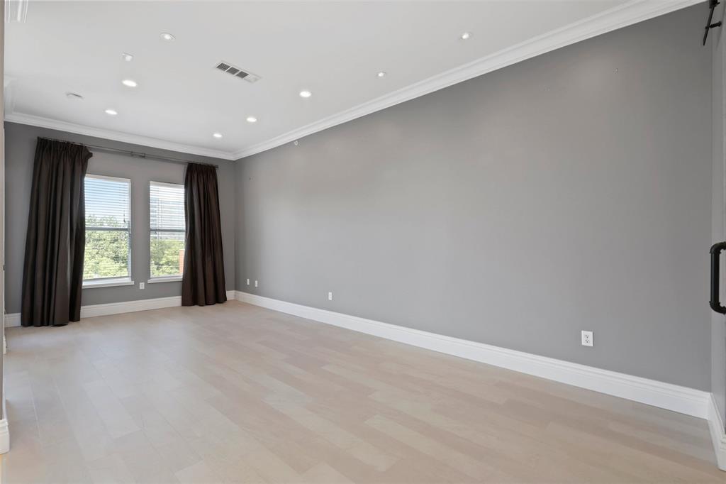 2950 Mckinney Avenue, Dallas, Texas 75204 - acquisto real estate best photos for luxury listings amy gasperini quick sale real estate