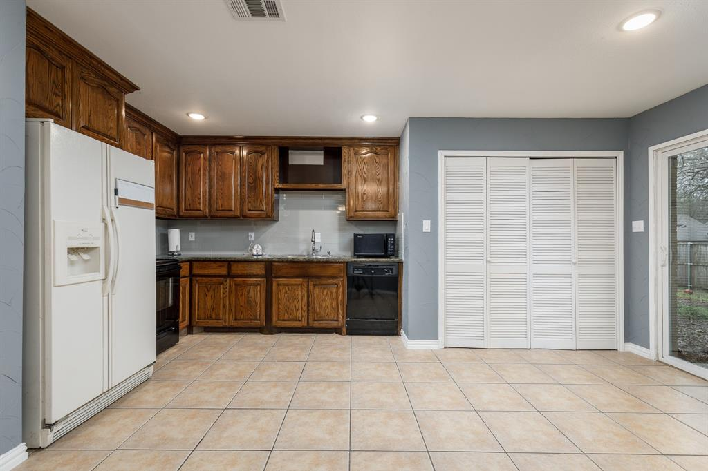 800 Rolling ridge Drive, Allen, Texas 75002 - acquisto real estate best celina realtor logan lawrence best dressed realtor