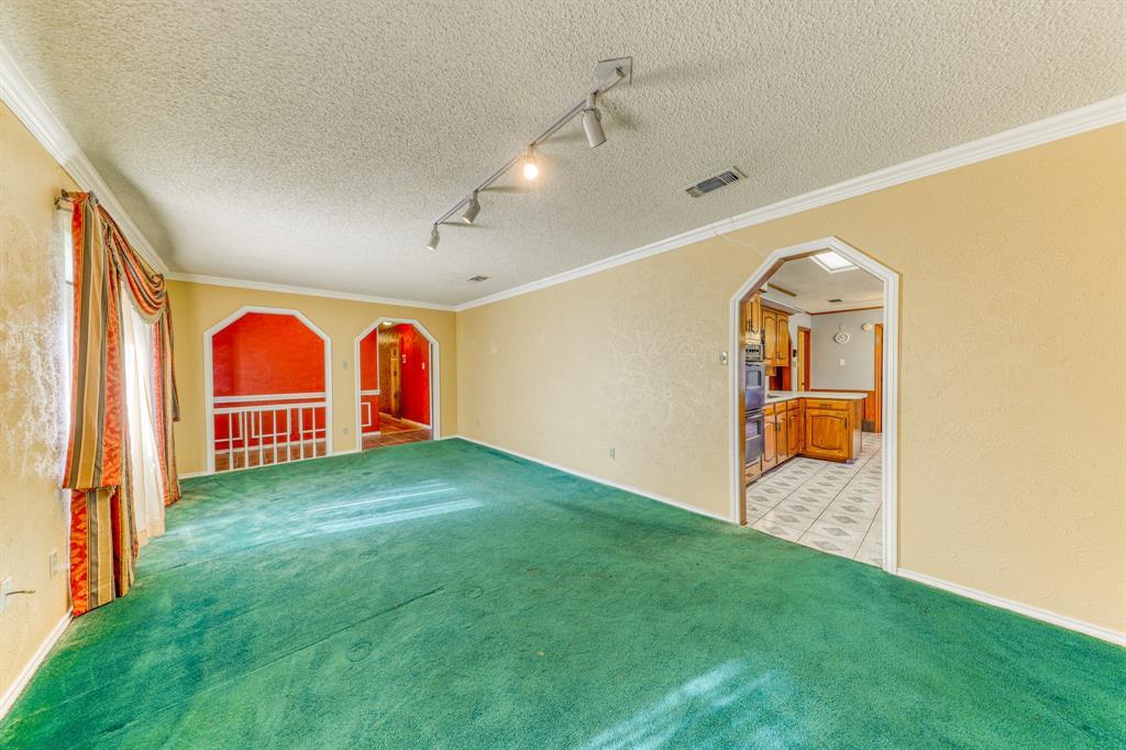 4000 Toledo Avenue, Fort Worth, Texas 76133 - acquisto real estate best highland park realtor amy gasperini fast real estate service