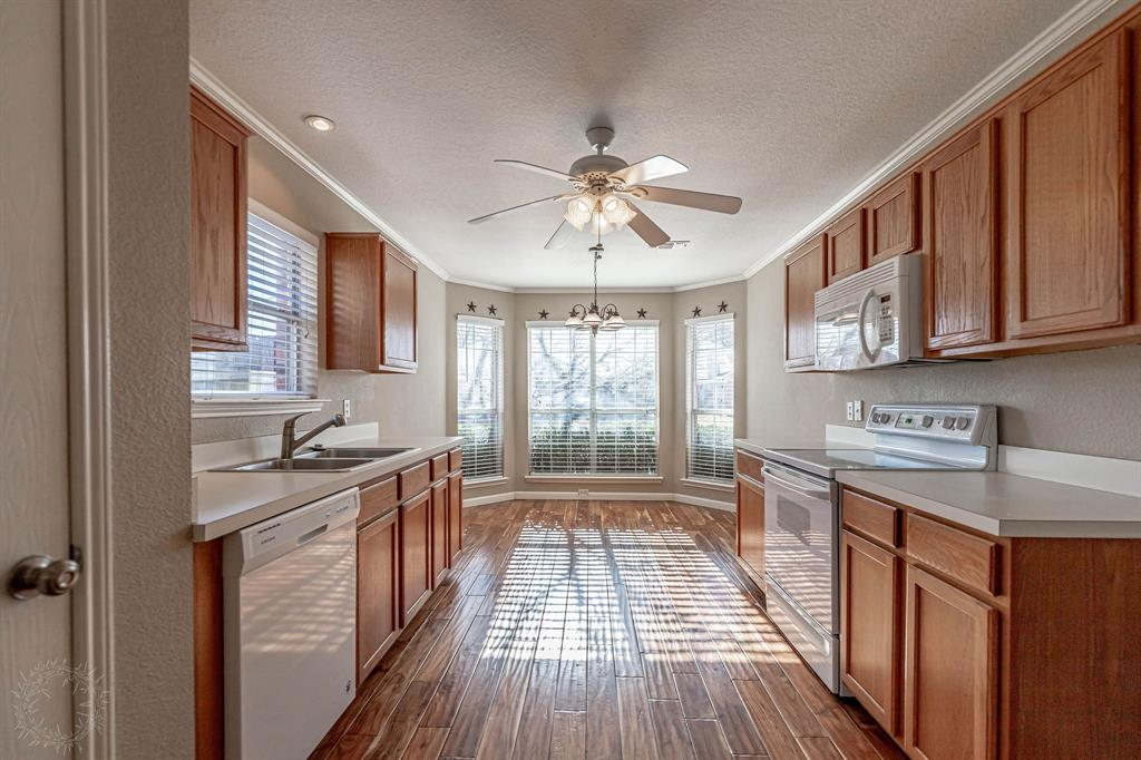 3207 Dove Valley Lane, Mansfield, Texas 76063 - acquisto real estate best real estate company to work for