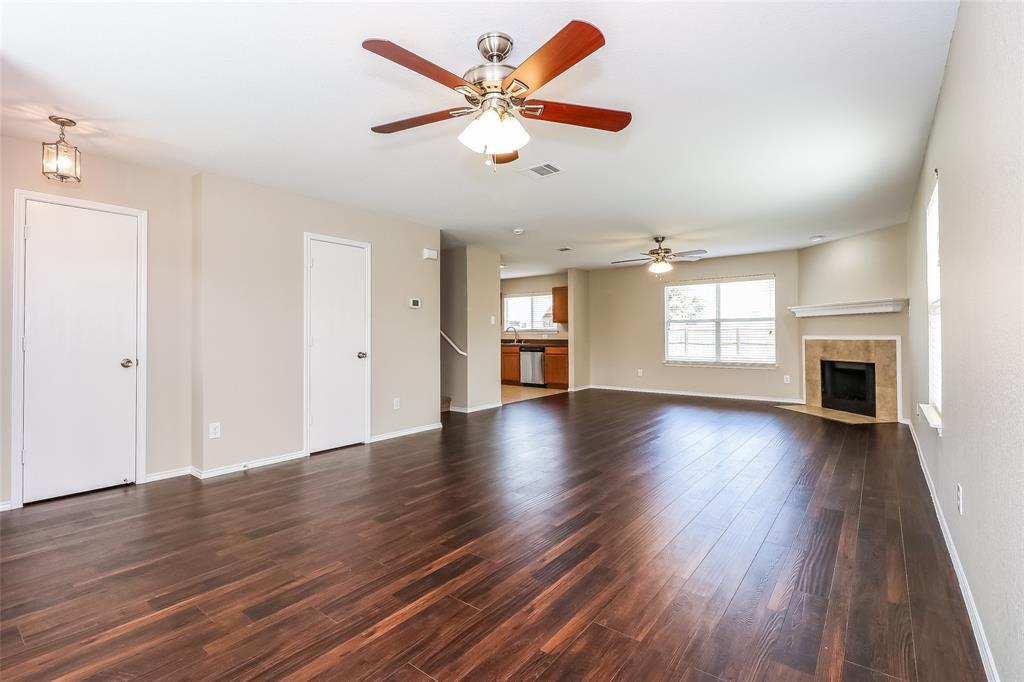 5729 Moon Flower Court, Fort Worth, Texas 76244 - acquisto real estate best prosper realtor susan cancemi windfarms realtor