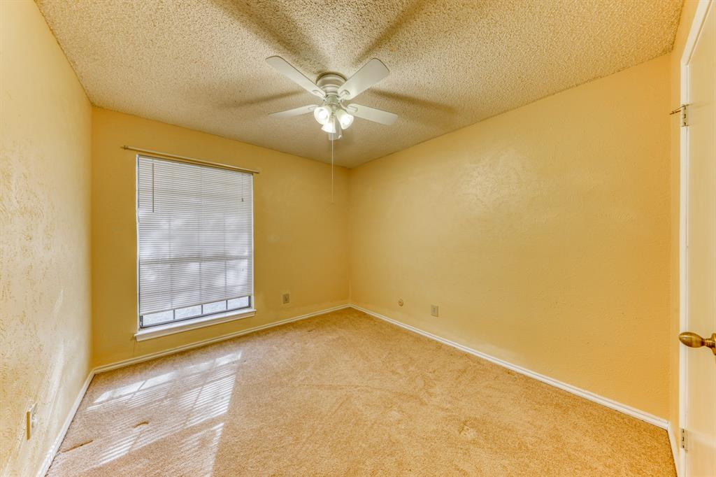 4000 Toledo Avenue, Fort Worth, Texas 76133 - acquisto real estate best realtor dfw jody daley liberty high school realtor