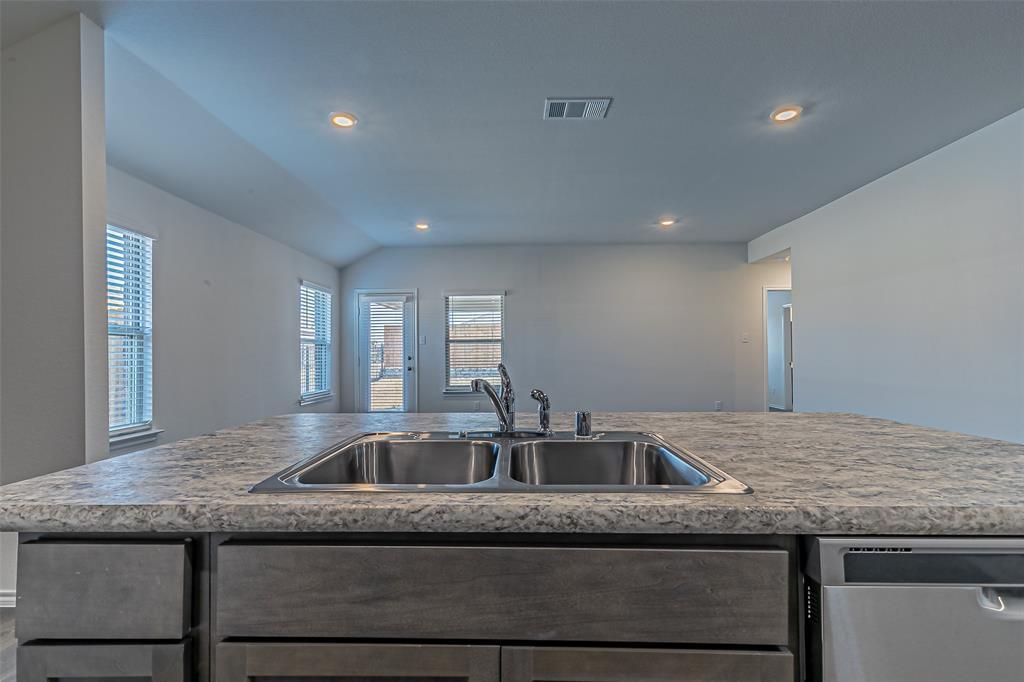 1008 Silver Maple Lane, Royse City, Texas 75189 - acquisto real estate best new home sales realtor linda miller executor real estate