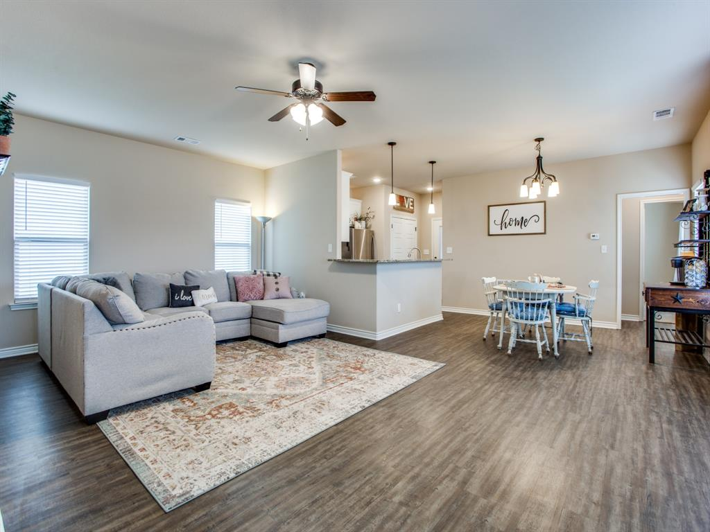 415 Montague Street, Pilot Point, Texas 76258 - acquisto real estate best highland park realtor amy gasperini fast real estate service