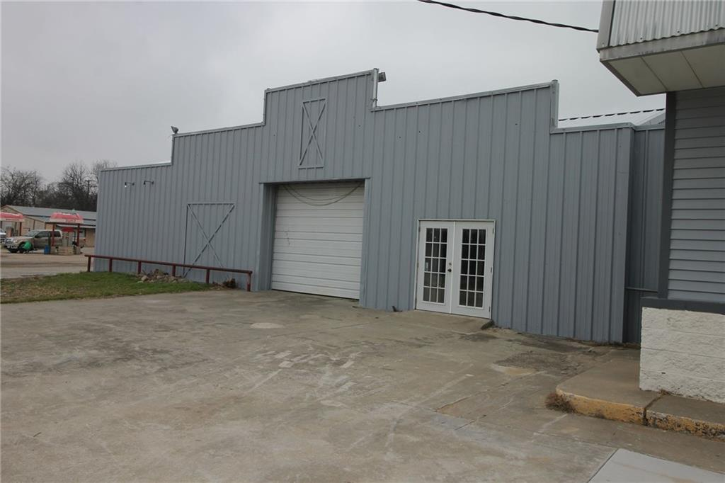 606 Highway 82  Gainesville, Texas 76240 - acquisto real estate best real estate company to work for