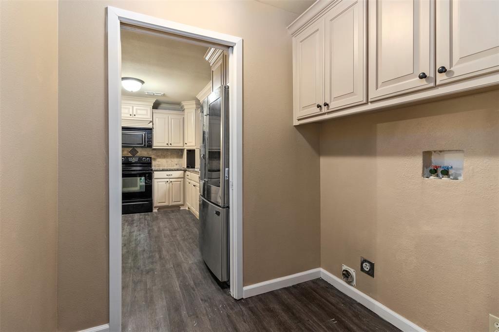 1709 Circle Drive, Tyler, Texas 75703 - acquisto real estate best realtor dfw jody daley liberty high school realtor