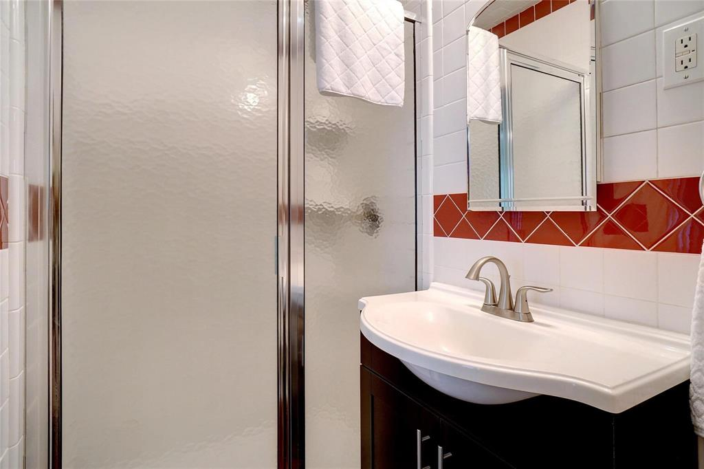 3201 Cockrell Avenue, Fort Worth, Texas 76109 - acquisto real estate best realtor dfw jody daley liberty high school realtor