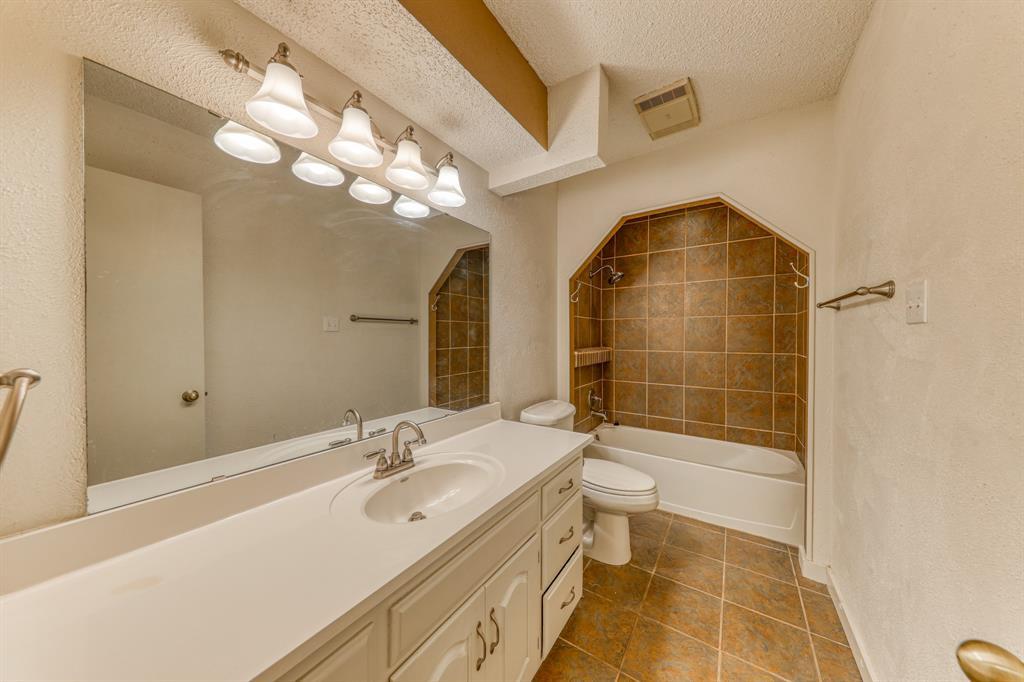 4000 Toledo Avenue, Fort Worth, Texas 76133 - acquisto real estate best photo company frisco 3d listings