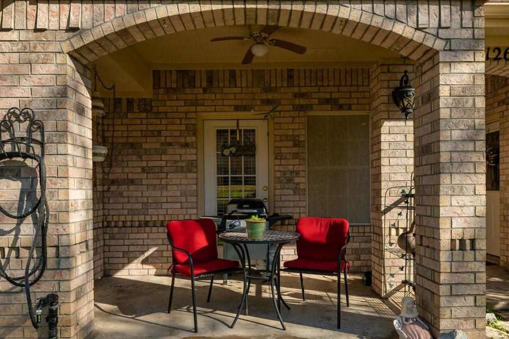 2126 Lakeforest Drive, Weatherford, Texas 76087 - acquisto real estate best the colony realtor linda miller the bridges real estate