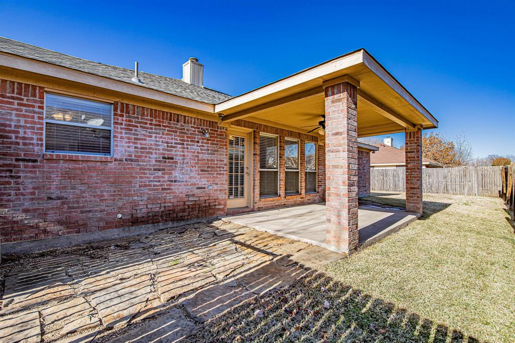 3207 Dove Valley Lane, Mansfield, Texas 76063 - acquisto real estate best park cities realtor kim miller best staging agent