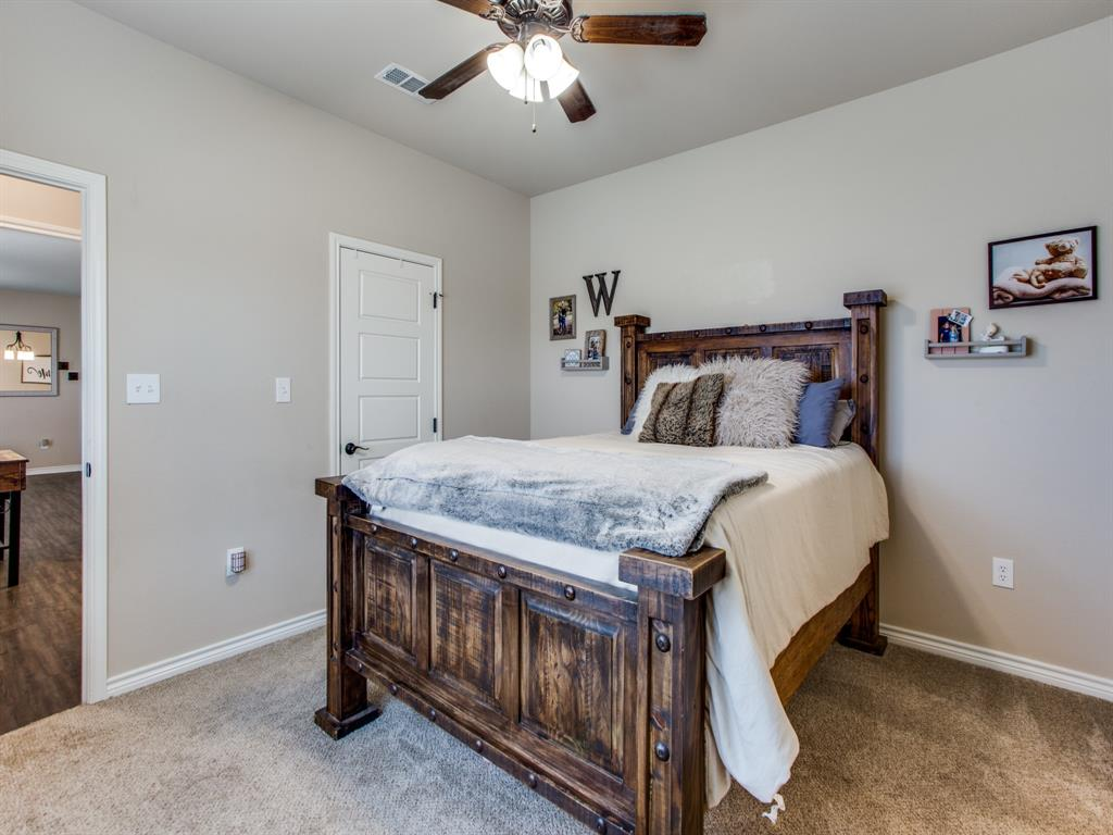 415 Montague Street, Pilot Point, Texas 76258 - acquisto real estate best photos for luxury listings amy gasperini quick sale real estate