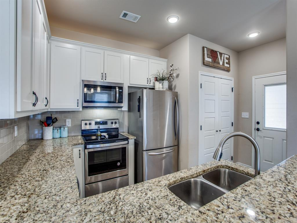 415 Montague Street, Pilot Point, Texas 76258 - acquisto real estate best real estate company in frisco texas real estate showings