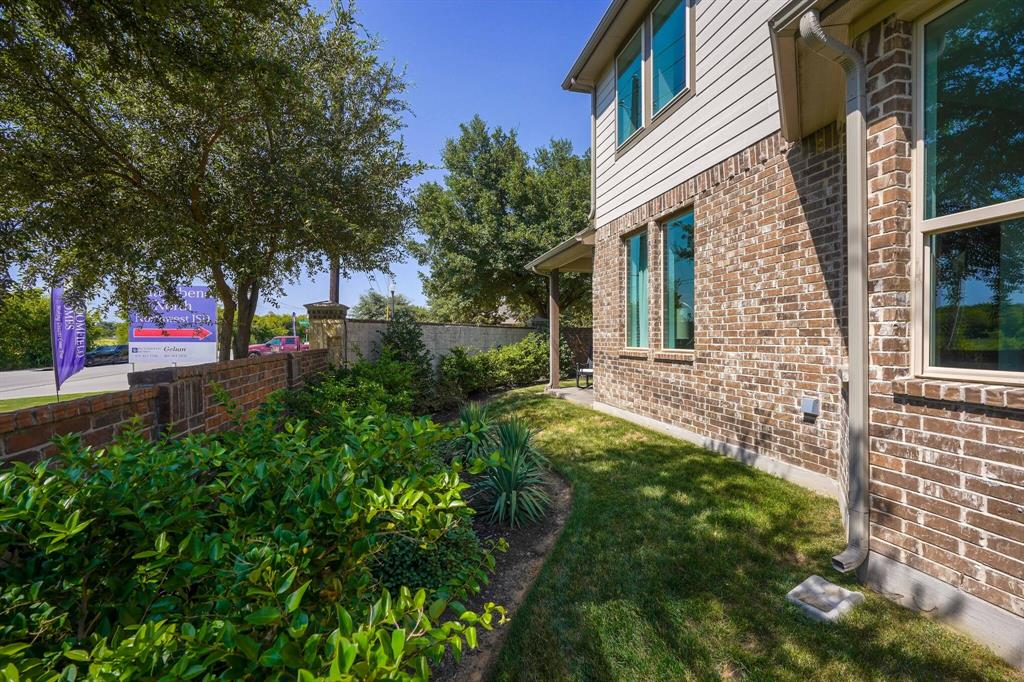 9929 Chrysalis  Drive, Fort Worth, Texas 76131 - acquisto real estate best park cities realtor kim miller best staging agent