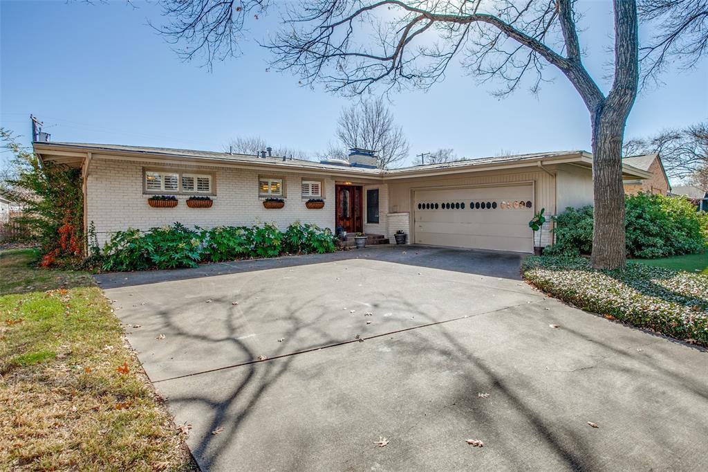 6840 Whitehill Street, Dallas, Texas 75231 - acquisto real estate best frisco real estate agent amy gasperini panther creek realtor