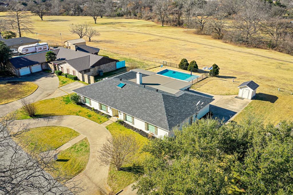 401 Country Club Drive, Joshua, Texas 76058 - acquisto real estate best allen realtor kim miller hunters creek expert