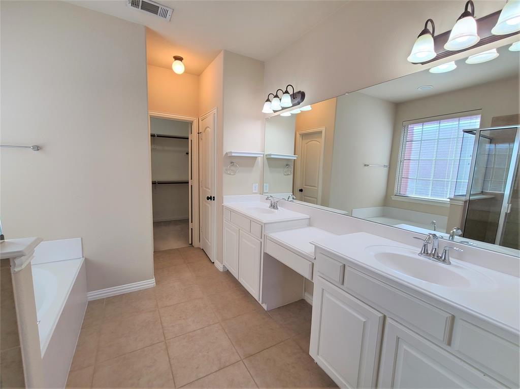 325 Brutus Boulevard, Lewisville, Texas 75056 - acquisto real estate best realtor foreclosure real estate mike shepeherd walnut grove realtor