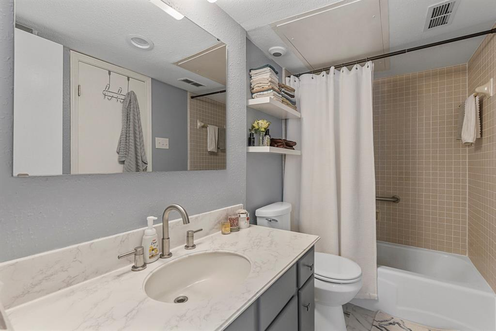 15914 Stillwood Street, Dallas, Texas 75248 - acquisto real estate best photos for luxury listings amy gasperini quick sale real estate