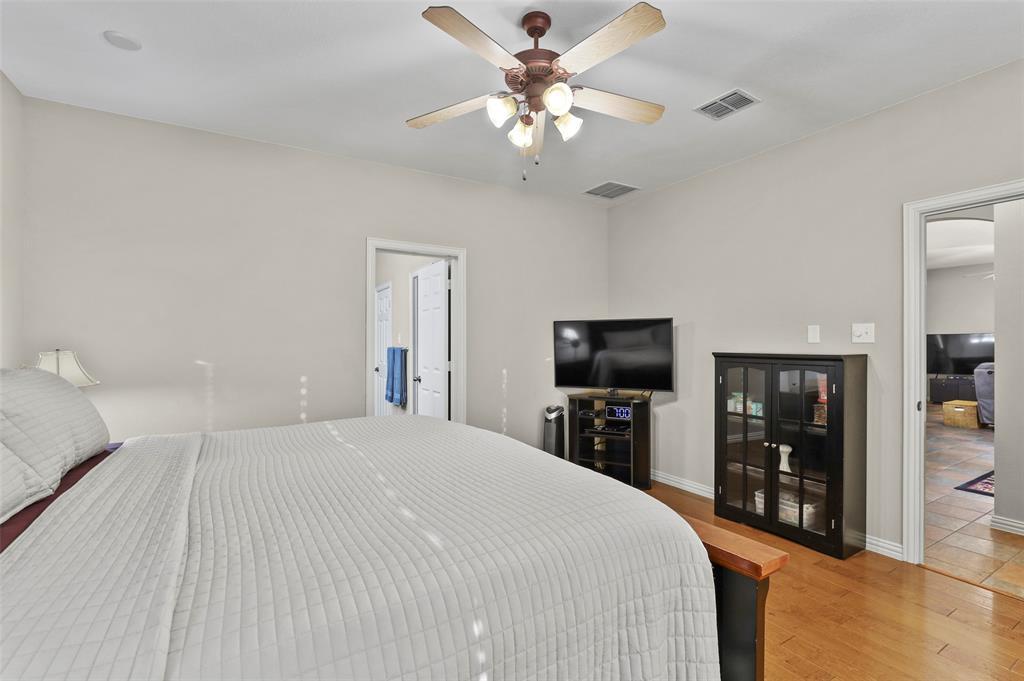 8450 Linden Street, Lantana, Texas 76226 - acquisto real estate best designer and realtor hannah ewing kind realtor