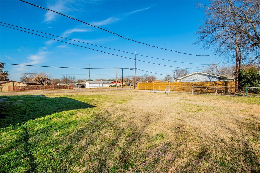 1317 Crockett Street, Garland, Texas 75040 - acquisto real estate best realtor dfw jody daley liberty high school realtor