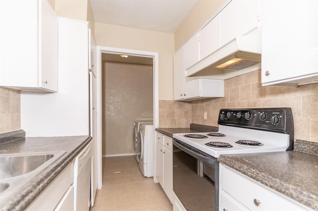 4612 Country Creek  Drive, Dallas, Texas 75236 - acquisto real estate best negotiating realtor linda miller declutter realtor
