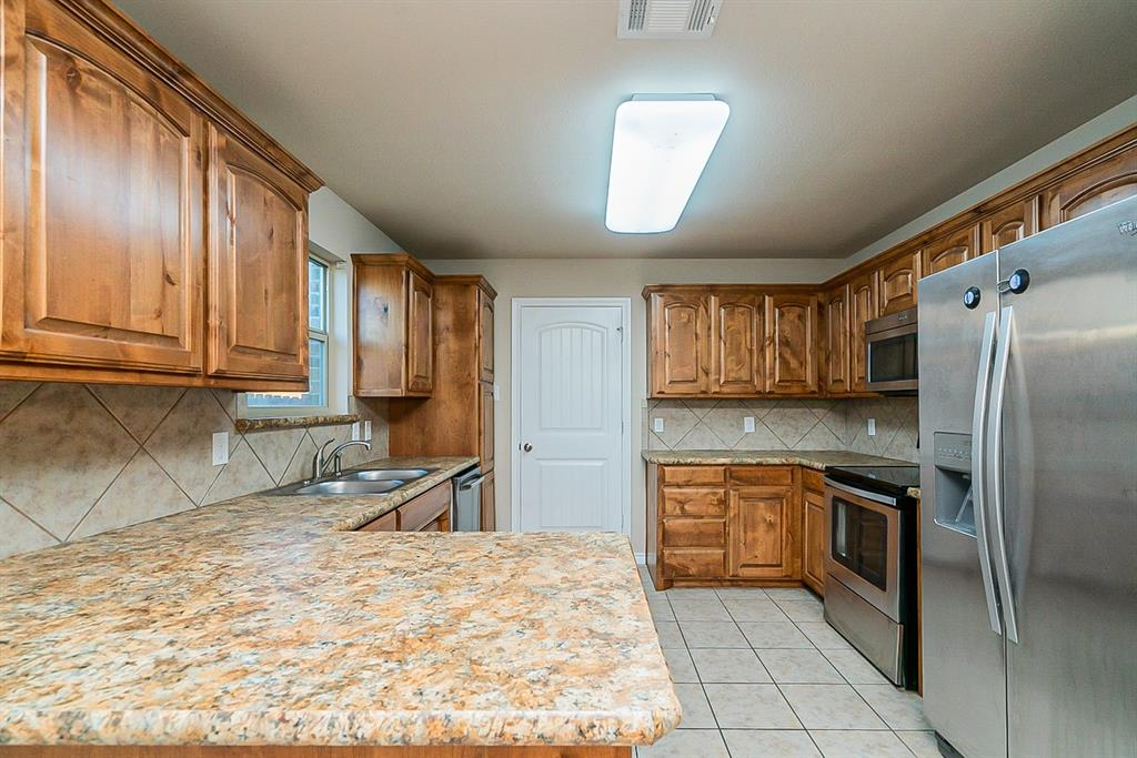 441 Buoy Drive, Crowley, Texas 76036 - acquisto real estate best the colony realtor linda miller the bridges real estate