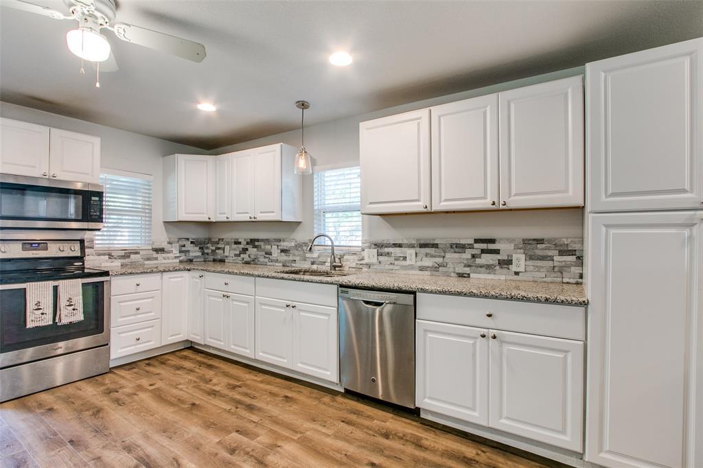605 6th  Street, Justin, Texas 76247 - acquisto real estate best designer and realtor hannah ewing kind realtor