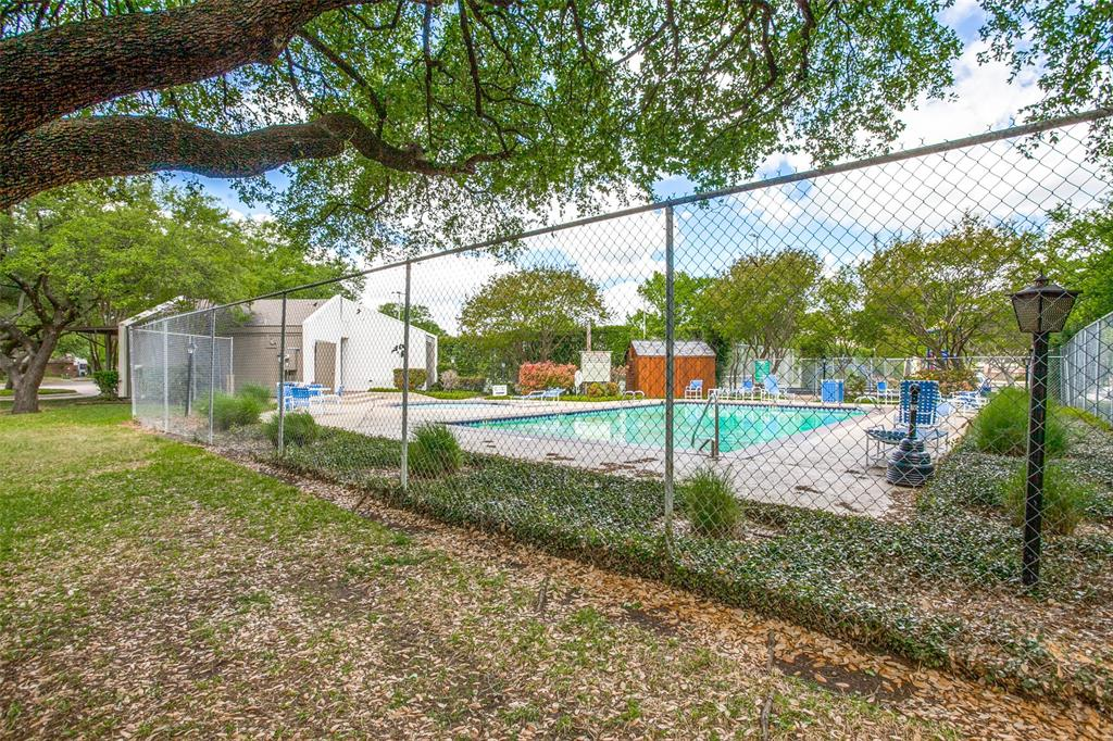 9030 Emberglow Lane, Dallas, Texas 75243 - acquisto real estate best realtor foreclosure real estate mike shepeherd walnut grove realtor
