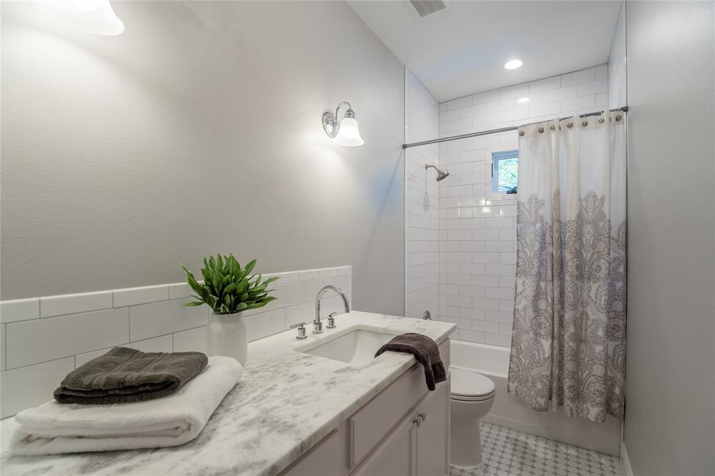 4706 Junius Street, Dallas, Texas 75246 - acquisto real estate best real estate company to work for
