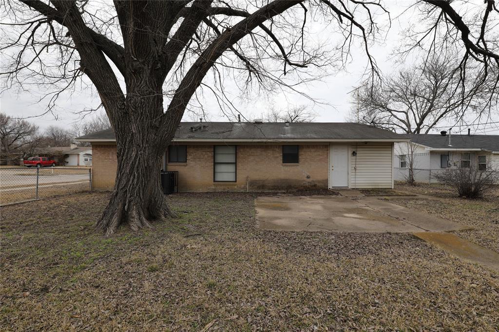 2316 Avis  Street, Mesquite, Texas 75149 - acquisto real estate best photos for luxury listings amy gasperini quick sale real estate