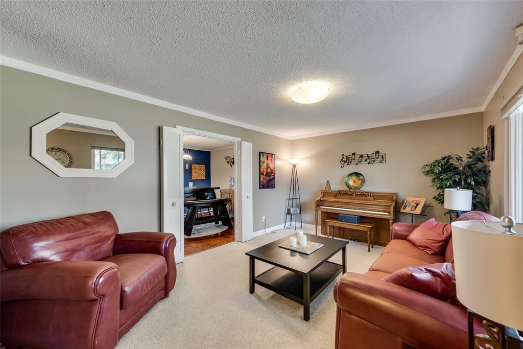 11615 Rogue Way, Dallas, Texas 75218 - acquisto real estate best new home sales realtor linda miller executor real estate