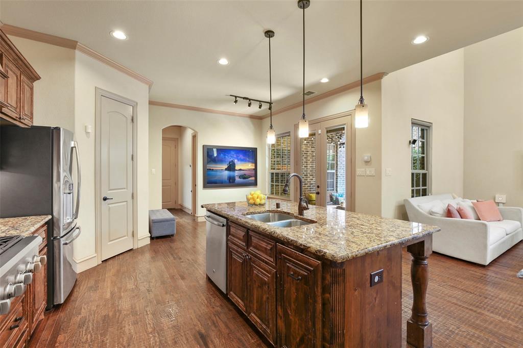 1054 Shadyside Lane, Dallas, Texas 75223 - acquisto real estate best listing listing agent in texas shana acquisto rich person realtor