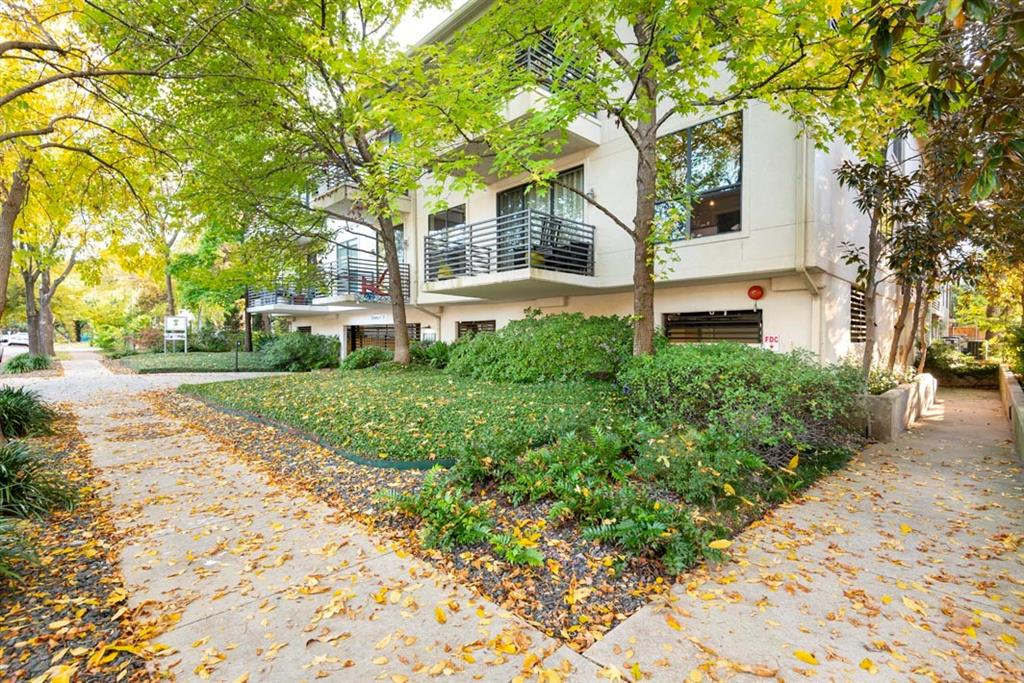 4111 Gilbert Avenue, Dallas, Texas 75219 - acquisto real estate best frisco real estate broker in texas for high net worth buyers
