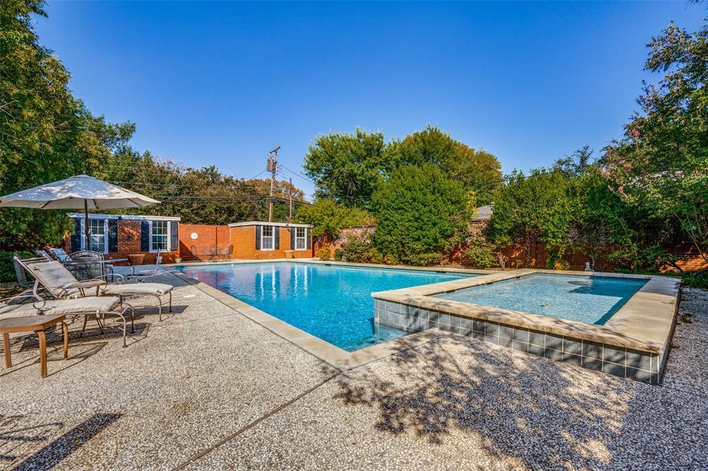 6931 Currin Drive, Dallas, Texas 75230 - acquisto real estate best realtor foreclosure real estate mike shepeherd walnut grove realtor