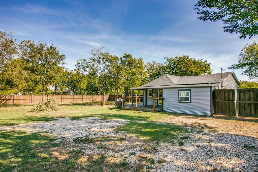 605 6th  Street, Justin, Texas 76247 - acquisto real estate agent of the year mike shepherd