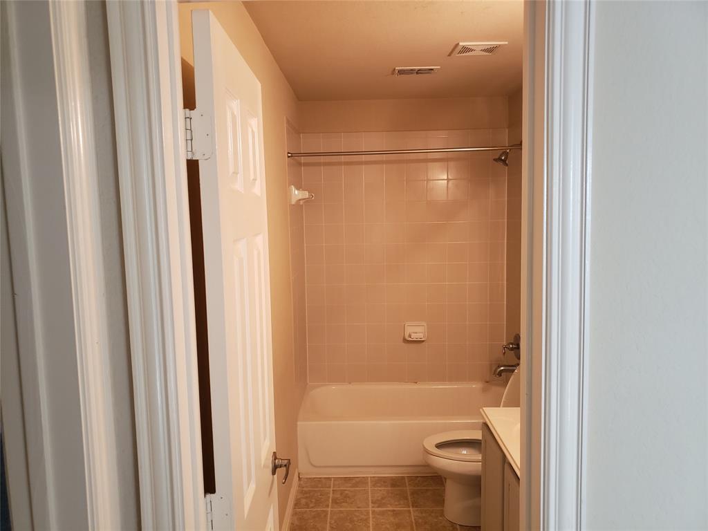 10909 Nantucket Drive, Rowlett, Texas 75089 - acquisto real estate best celina realtor logan lawrence best dressed realtor