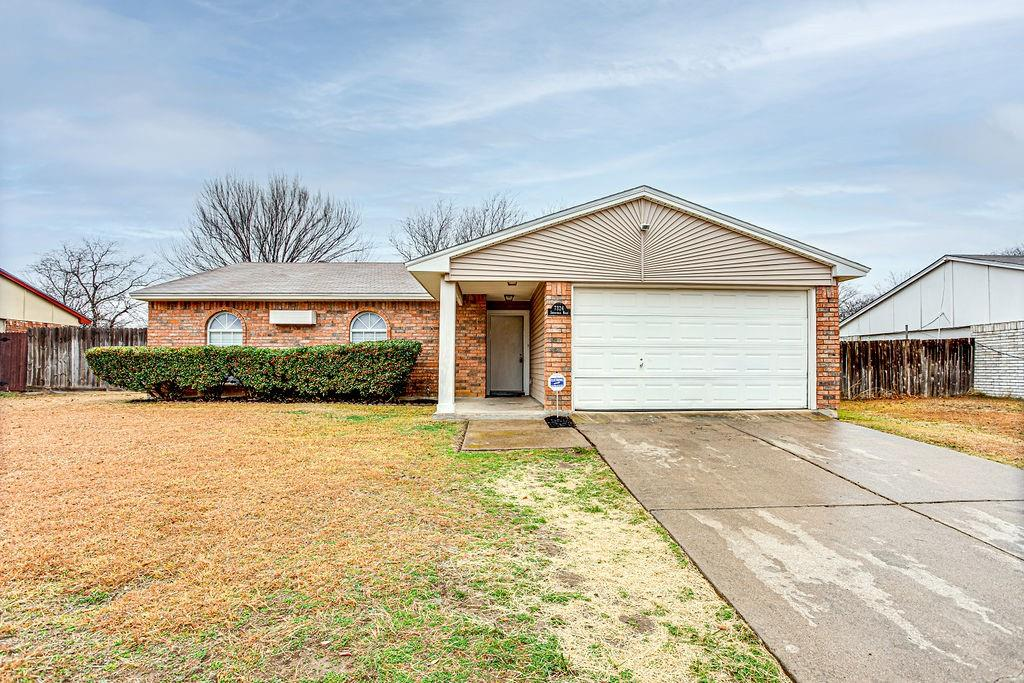 7324 Stonewall Road, Forest Hill, Texas 76140 - Acquisto Real Estate best frisco realtor Amy Gasperini 1031 exchange expert