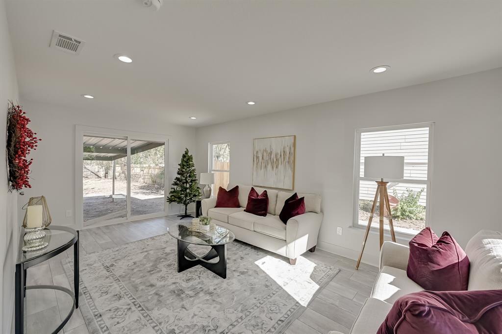 4409 Morris Court, Fort Worth, Texas 76103 - acquisto real estate best prosper realtor susan cancemi windfarms realtor